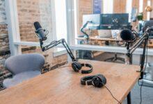Photo of El consumo de podcasts se dispara en España en 2020 con Spotify como gran protagonista, según un informe de Voxnest
