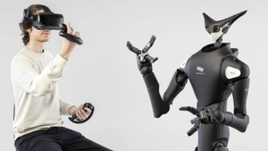 Photo of Robot apilador de estantes controlado por un humano con Realidad Virtual