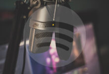 Photo of El 45% de los jóvenes en España comenzaron a escuchar podcasts durante el confinamiento, según el último informe de Spotify