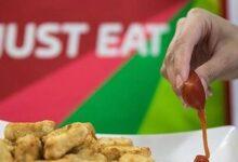 Photo of Empresa emergente desarrolla empaques comestibles para aderezos y así combatir la cantidad de plástico en el mundo