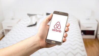 Photo of Airbnb señala a Google: asegura que favorece sus propios productos y eso les hace perder visitantes de su plataforma