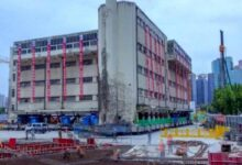 "Photo of Robótica: Un edificio de cinco pisos ""caminó"" por las calles de Shanghai"