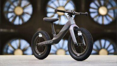 Photo of Conoce la Specialized Hotwalk Carbon, la nueva bicicleta de equilibrio para niños