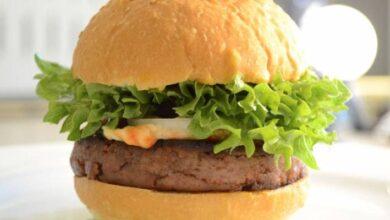 Photo of ¿Comerías una hamburguesa hecha de grillos? Esta empresa elogia su sabor