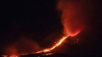 Photo of El volcán Etna entró en erupción y la violenta expulsión de lava quedó registrada en video