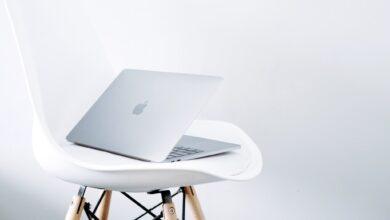 """Photo of Apple extiende un año más el programa de reparación de la retroiluminación de la pantalla del MacBook Pro de 13"""""""