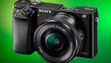 Photo of En negro o en plata, puedes estrenar cámara sin espejo ahorrando con la Sony Alpha A6000 con objetivo 16-50mm por 489 euros en Amazon