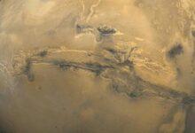 """Photo of NASA muestra imágenes del """"Gran Cañón"""" de Marte: es diez veces más grande que el de la Tierra"""