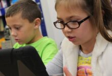 Photo of Estudio encuentra terribles consecuencias para los niños que pasan mucho tiempo en las pantallas táctiles