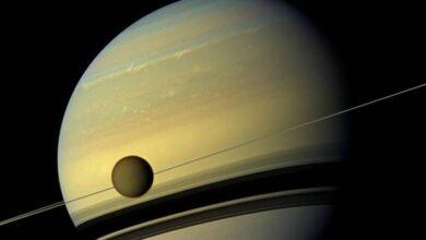 Photo of Científicos calculan que Titán, la luna más grande de Saturno, cuenta con un mar de 300 metros de profundidad