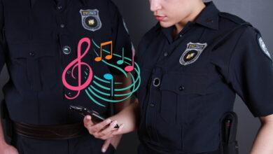 Photo of Denuncian en EE.UU. que algunos policías reproducen canciones cuando los graban para que los vídeos sean penalizados por copyright