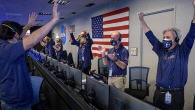 Photo of Así fue la reacción de los científicos en el JPL con el aterrizaje exitoso del Perseverance