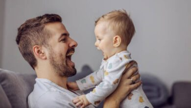 Photo of Los bebés aprenden mejor y prestan más atención cuando les aplican el 'baby talk', revela estudio
