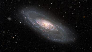 Photo of La Galaxia espiral Messier 106 con todo detalle y en versión ampliable