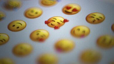 Photo of Si no te gustan los grupos para organizar tus contactos, prueba a hacerlo con emojis o etiquetas