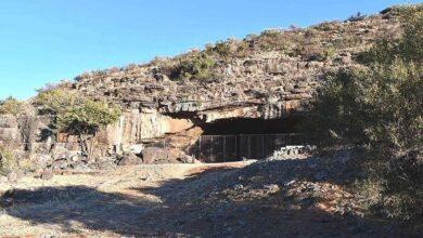 Photo of Una cueva del desierto de Sudáfrica tiene la evidencia más antigua que se conozca de ocupación humana