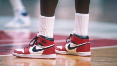 Photo of Jordan, Abdul-Jabbar y más: Sotheby's subastará 13 pares de zapatillas de leyendas de la NBA