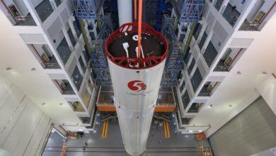 """Photo of China dice que su cohete fuera de control causaría """"muy pocos daños"""""""