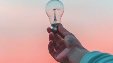 Photo of Cinco formas de ahorrar luz con la nueva tarifa eléctrica utilizando el iPhone y sus accesorios