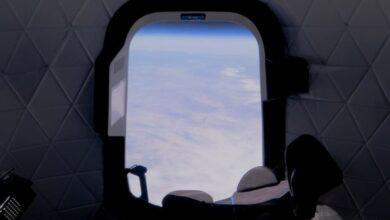 Photo of La plaza subastada para el primer vuelo tripulado del New Shepard al espacio salió en 28 millones de dólares