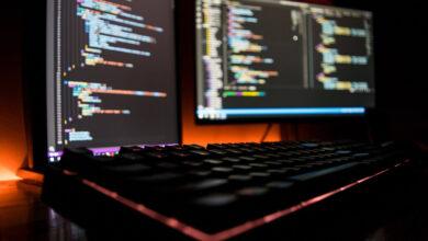 Photo of 80.000 desarrolladores responden:  lenguajes de programación más queridos y temidos y qué paga mejor en 2021